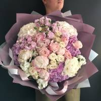 Большой сборный букет пионы с гортензией и розами пионовидными R521