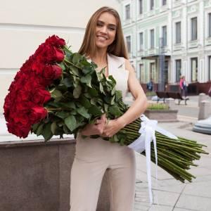 Букет красных роз, высотой 150 см R886