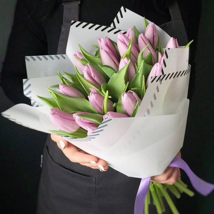 Букет 19 розовых тюльпанов R985