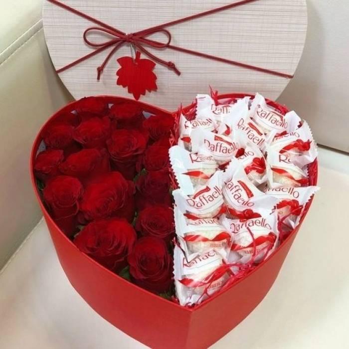 Сердце красные розы и рафаэлло R022