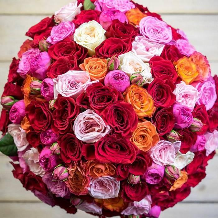 Большой букет 51 пионовидная роза в упаковке R158