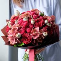 Сборный букет с красными розами R030