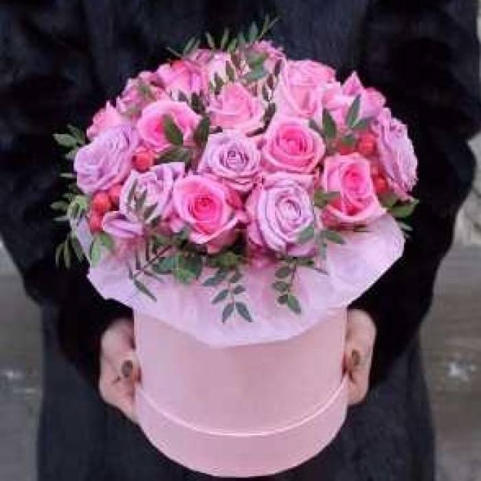 21 розовая роза в коробке R030